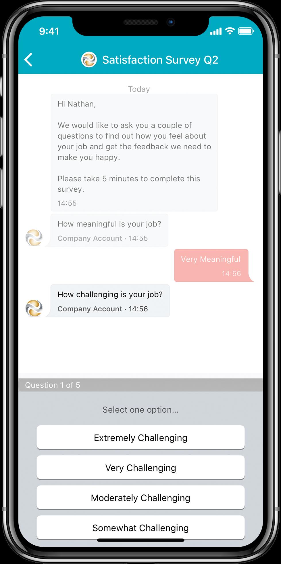 Blick auf den Handy-Bildschirm einer Umfrage mit der Mitarbeiter-App Beekeeper